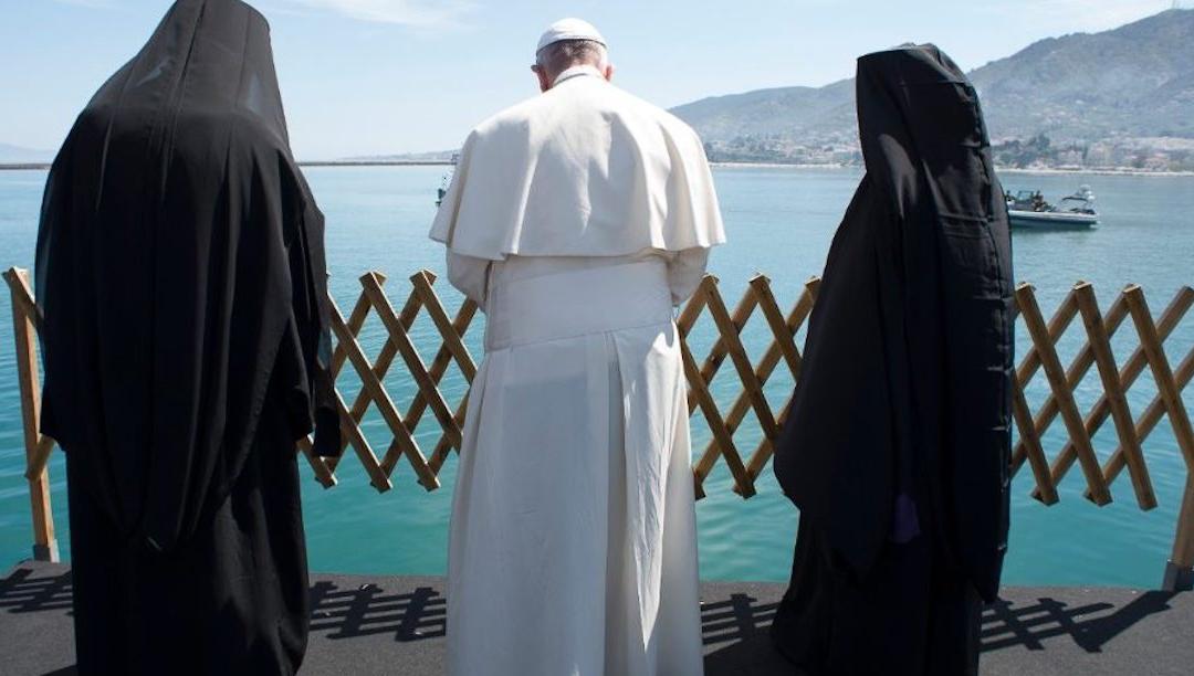 """Refugiada síria """"levada"""" pelo Papa trabalha hoje como bióloga no Vaticano"""