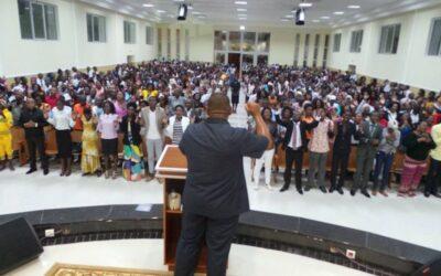 IURD de Angola declarou independência e Estado expulsou 112 missionários brasileiros