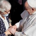 A prisioneira nº 70072 de Auschwitz que o Papa beijou
