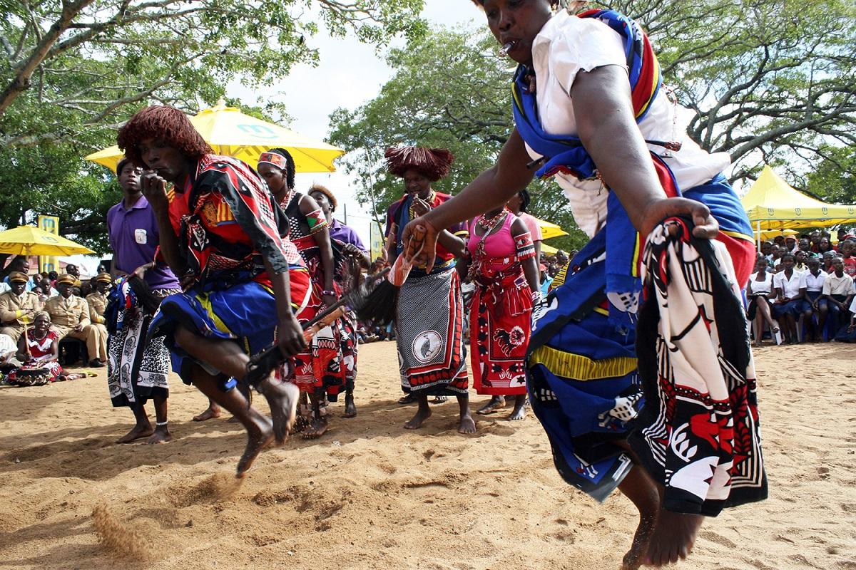 Moçambique. Evocando os espíritos