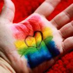 Cuidados de saúde: Biden assegura não discriminação contra pessoas LGBTQ