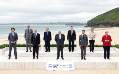 G-7 vai doar mil milhões de doses aos países mais pobres