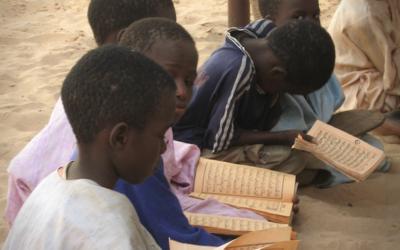 Senegal recruta professores para escolas corânicas para evitar tráfico e mendicidade de crianças