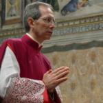 Guido Marini deixa o Vaticano após 14 anos como mestre de cerimónias