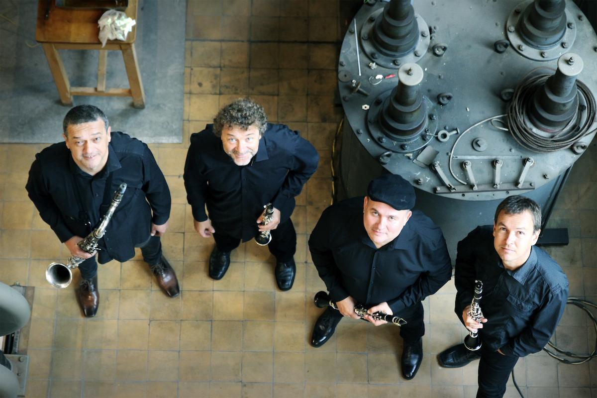 Música, Clarinet Factory