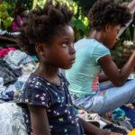 """EUA deportam haitianos para um """"país colapsado"""""""