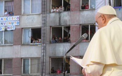 """O Papa com os ciganos: """"Pôr as pessoas em guetos não resolve nada"""""""