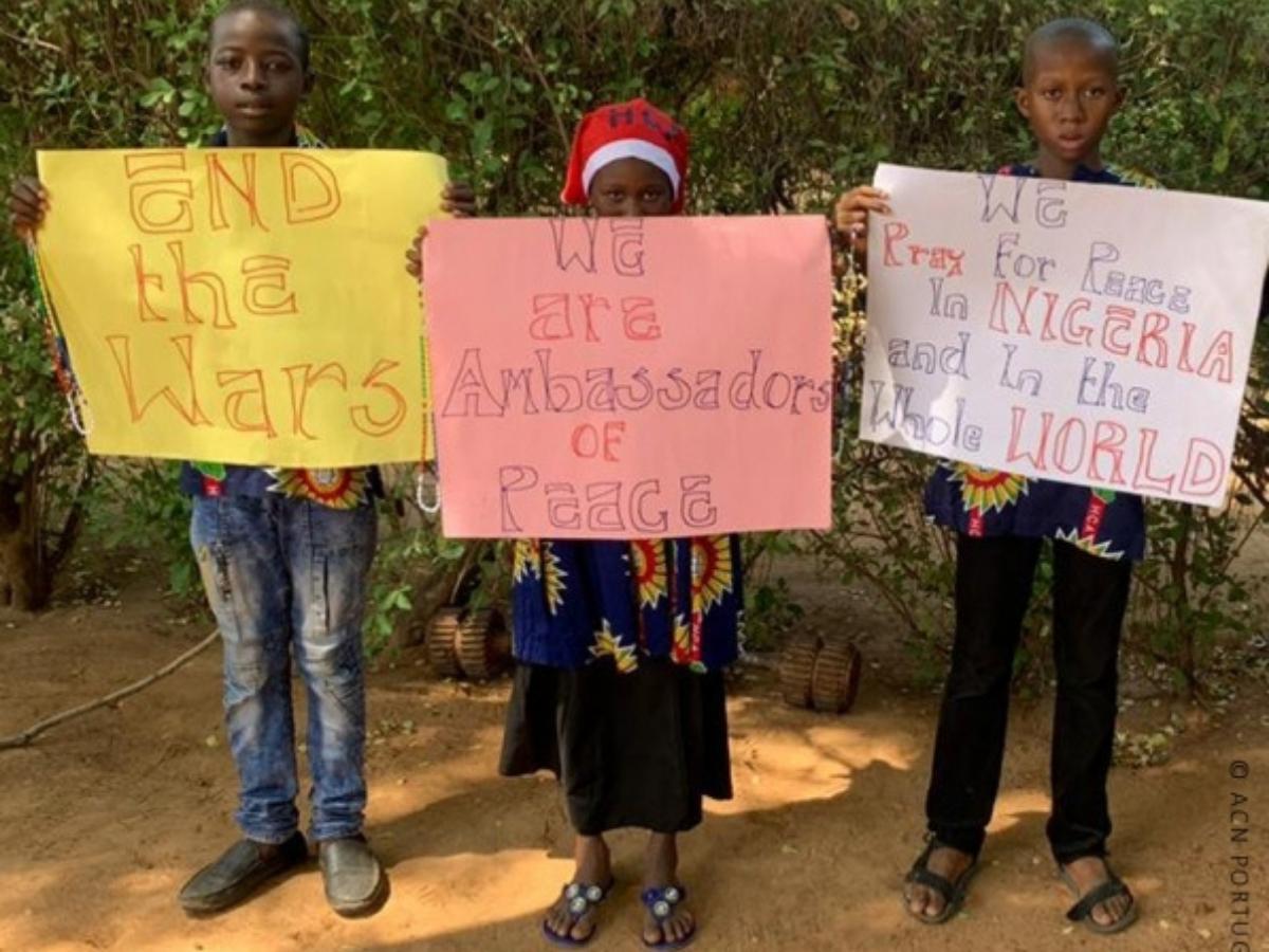 jovens raptados nigeria, foto fundacao ais