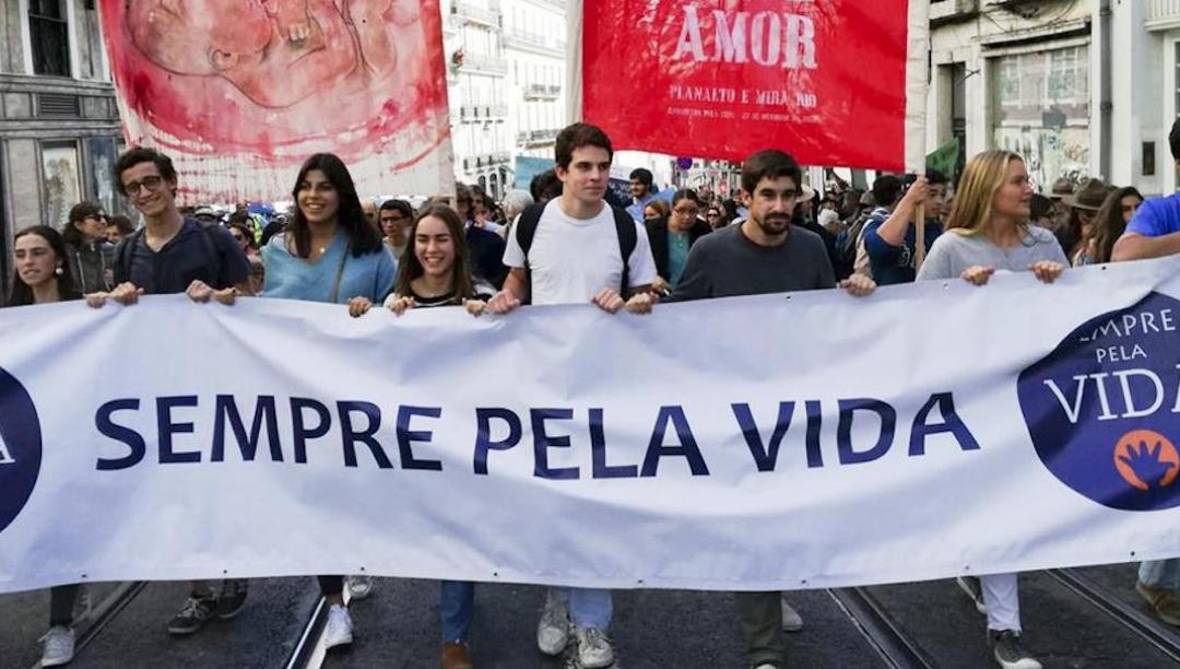 """""""Caminhada pela Vida"""" contra regresso do aborto e da eutanásia"""