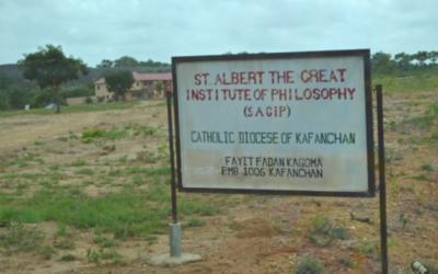 Três seminaristas sequestrados em ataque armado