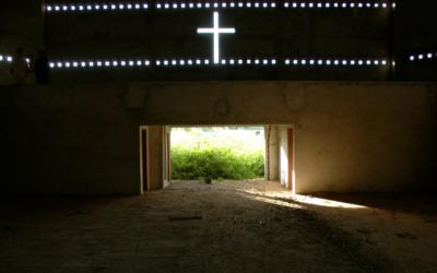 Perseguição religiosa diminuiu, mas restrições dos governos estão no nível mais elevado
